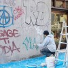Ripulita dai graffiti via Nicolò IV