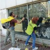 Milano cancella la ferita dei violenti