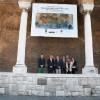 Ecco Piazza San Francesco senza graffiti grazie al Circolo dei Forestieri.  Terminati i lavori di restauro finanziati dai soci. Il presidente: «Quando le istituzioni non ce la fanno, serve il volontariato civico»