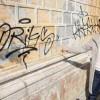 Scritte sui muri che erano stati appena ripuliti