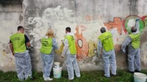 volontari a lavoro